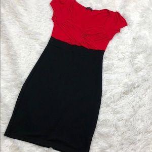 SOPRANO Short Sleeve Midi Tight Fitting Dress